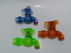 kran-air-plastik-kecil